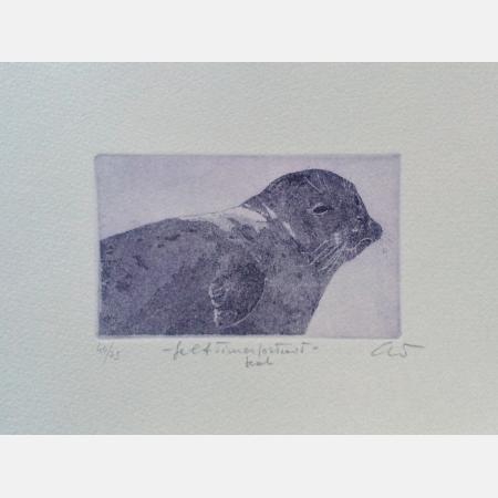 Self-timer portrait Seal